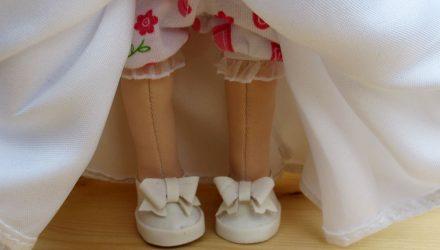 Маленькие полезности в кукольной обуви